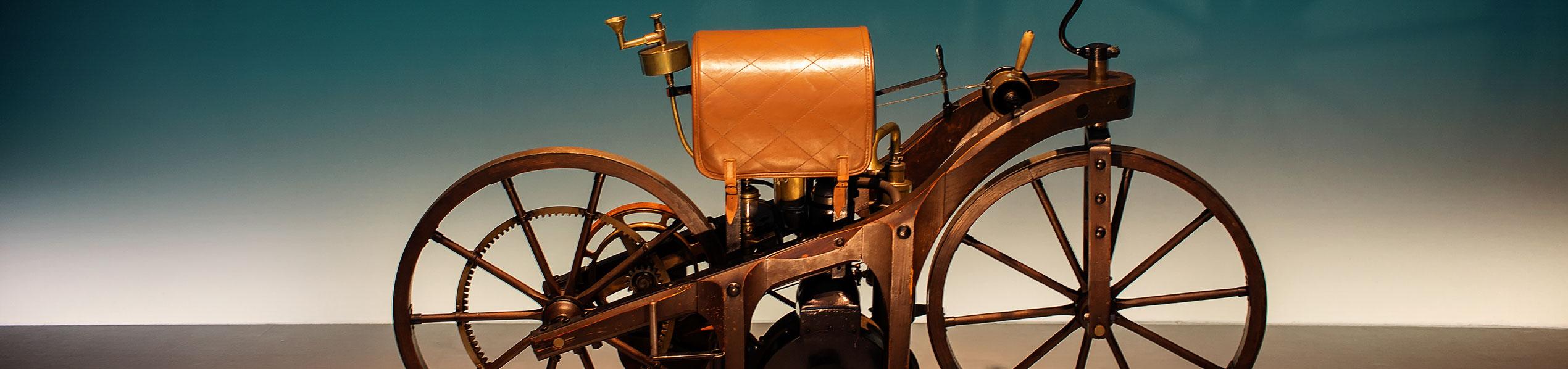 <p>Daimler Reitwagen 1885</p>
